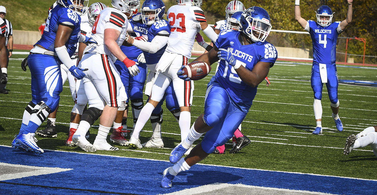 Peru State College >> Workman S Fg Lifts Football To 38 35 Victory Over Peru State